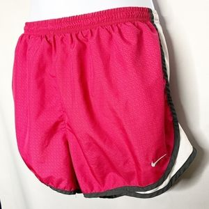 Nike dry fit pink white workout shorts xl